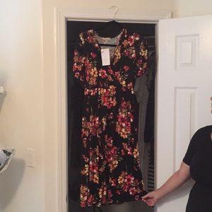 Black and flower Shop Stevie Dress